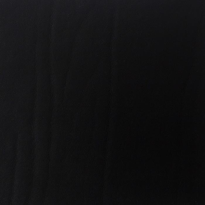 W02 Black